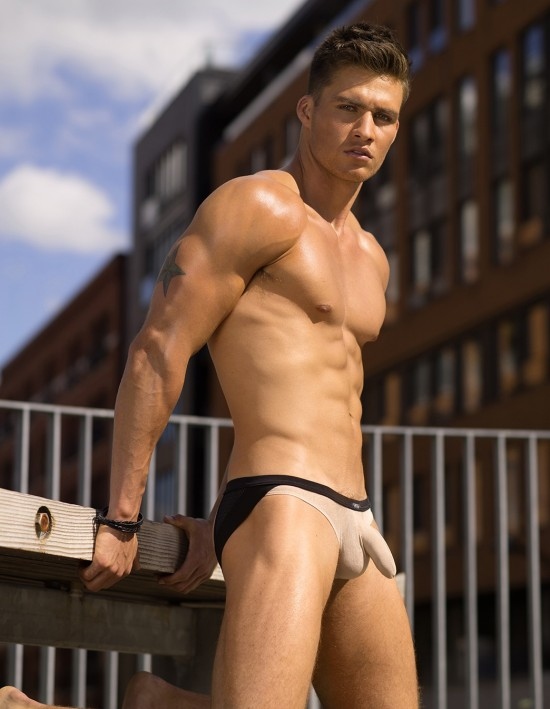 We're pretty sure that hanging out in urban areas, even cool ones, in this Jockstrap might just cause a bit of a stir. In a good way, of course ;)
